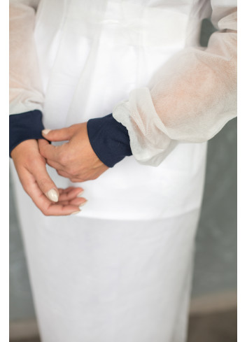 nonwoven protective gown